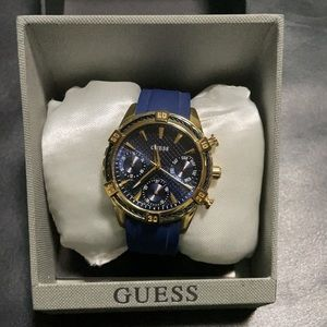 Guess watch gold plated stainless. Wo562L2 36.5mm